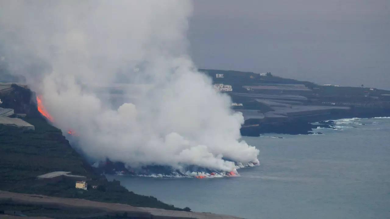 Lava from La Palma eruption reaches the Atlantic