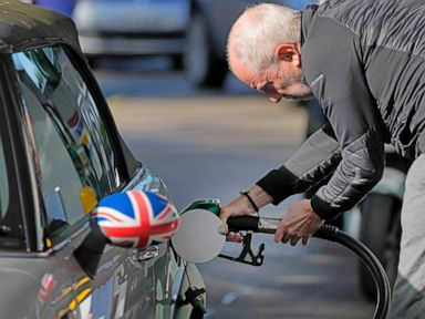 UK: Soldiers to start driving fuel tankers in coming days