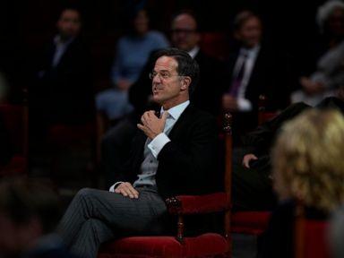 Dutch political leaders meet amid stalled coalition talks